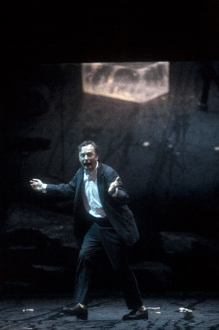 Georg Nigl als Jakob Lenz, Foto Bernd Uhlig