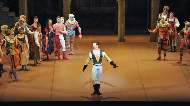 Robert as Tybalt 02