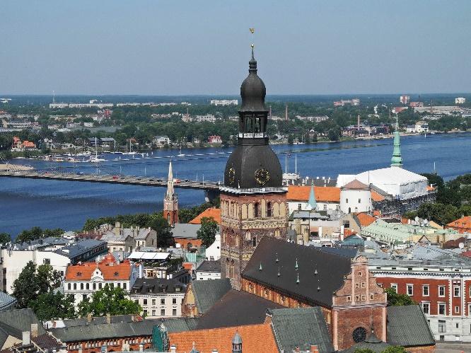 Blick von der Petrikirche auf Altstadt und Dom, Foto Ursula Wiegand