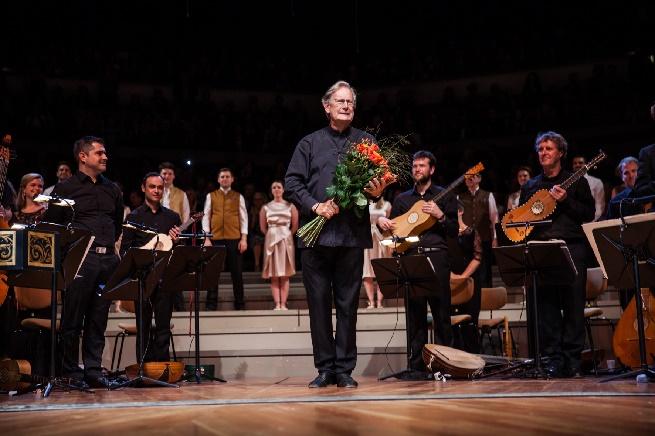 Blumen für John Eliot Gardiner für seine Monteverdi-Trilogie, Copyright  Carolina Redondo