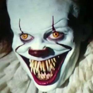 Es Clown Zähne