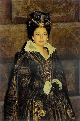 Horiana Branisteanu als Donna Anna