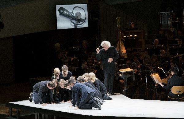 Simon Rattle und die Vokalhelden, Foto Monika Rittershaus