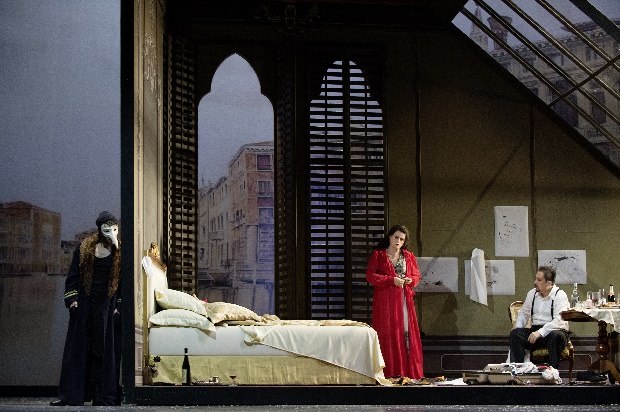Liebesglück in Venedig -CARLOS NOGUEIRA (Muschik) MAGDALENA A. HOFMANN (Anna) ZURAB ZURABISVILI (Wronsky) Copyright Judith Schlosser