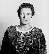 Raymond Gibbs als Pelleas
