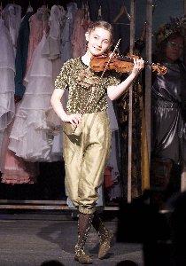 Cinderella Alma mit Geige~1