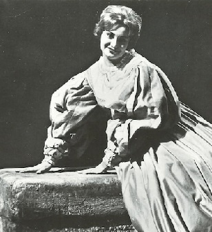 Claudine-Arnaud als Gilda
