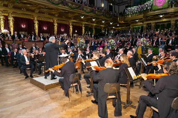 Vienna Philharmonic Ball_Domingo_(c) Richard Schuster_FRS_0155