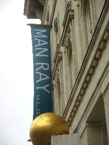 Man Ray Fassade x~1