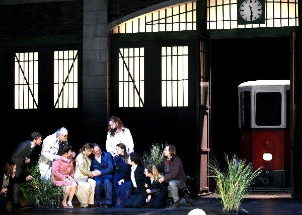 Figaro Szene Mit Straßenbahn X~1
