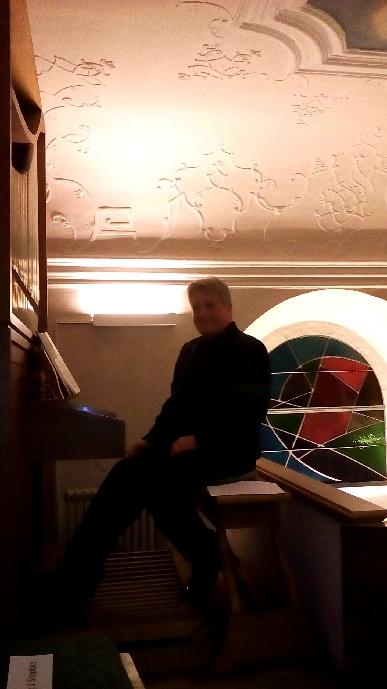Robert Pobitschka An Der Orgel Der Pfarrkirche Eibenstein