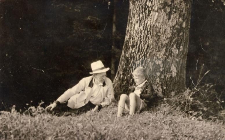 Foto 2 Mit Großvater Freumdbichler