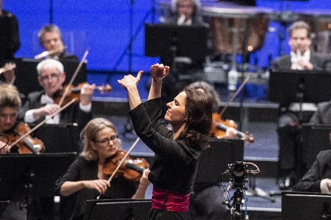 eröffnung2021 3 oksana lyniv festspielorchester c reiner pfisterer