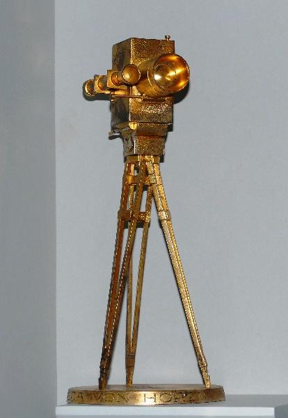 biolek eine der goldenen kameras der hör zu foto andrea matzker p4950525