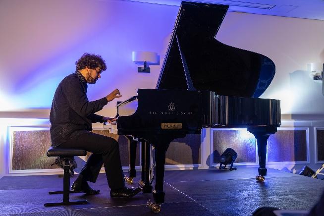 lukas geniusas, star pianist beim nachtigallenschlag, im steigenberger grandhotel, copyright geert maciejewski, b