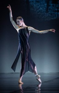 martinschlaepfer eindeutschesrequiem ballerina claudineschoch foto ash~1